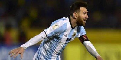 Messi Argentinanı bu dəfə də xilas etdi - VİDEO