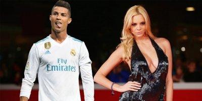Ronaldonun daha bir sevgilisi üzə çıxdı - FOTOLAR