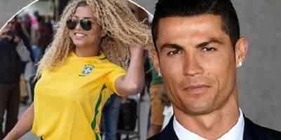 Ronaldo mesaj yazıb, məşhur gözəli evinə çağırdı - FOTOLAR