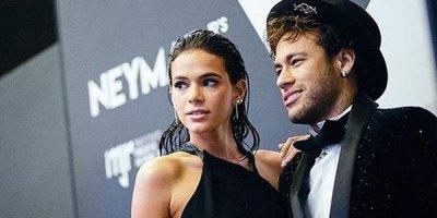 Neymar seçkilərə görə sevgilisindən ayrıldı - FOTOLAR