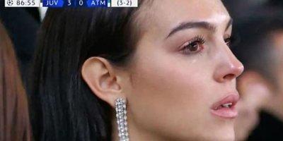 Ronaldo qolları sıraladı, sevgilisi göz yaşı tökdü - FOTO/VİDEO