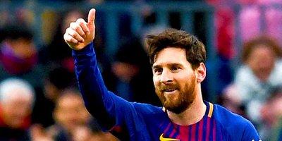 Messi Ronaldonu keçdi - VİDEO
