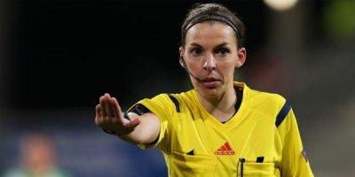 Tarixdə ilk dəfə: UEFA Super Kuboku qadınlara tapşırdı