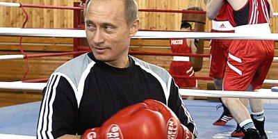 Boksda Putinin burnunu sındırıblar