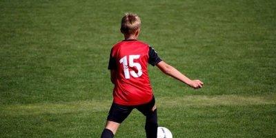 Futbol oynamaq üçün evdən gedən 14 yaşlı oğlan itkin düşdü