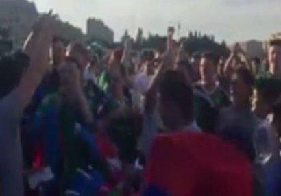 """Şimali İrlandiya azarkeşləri Bakıda """"Qarabağ!"""" qışqırdılar - VİDEO"""