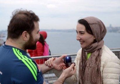 Azərbaycanlı oğlandan İstanbul marafonunda evlilik təklifi (FOTOLAR)