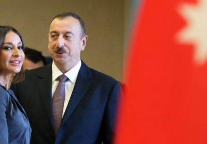 Prezident bir qrup idmançıya ev verdi (YENİLƏNİB/FOTO)