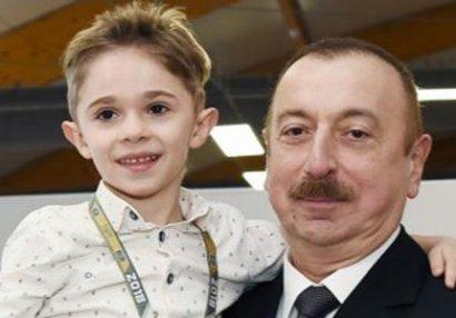 İlham Əliyevlə görüşmək üçün ağlayan uşaq kimin oğludu? - FOTO/VİDEO