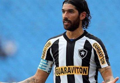 41 yaşlı futbolçu karyerasında 27-ci klubla anlaşdı