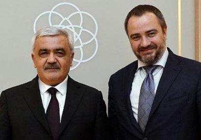 Rövnəq Abdullayev UFF prezidenti ilə görüşdü