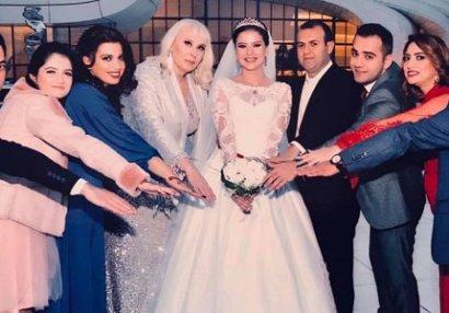 Rauf Məmmədov toyunda xanımı üçün mahnı oxudu - FOTO/VİDEO