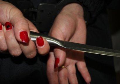 Bakıda qadın futbolçu həmcinsini bıçaqladı