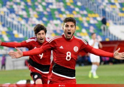 19 yaşlı gürcü