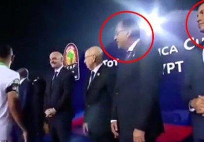 Millinin futbolçusu prezidenti və naziri görməzdən gəldi - VİDEO