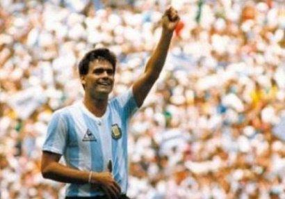 Dünya çempionu olmuş futbolçu vəfat etdi