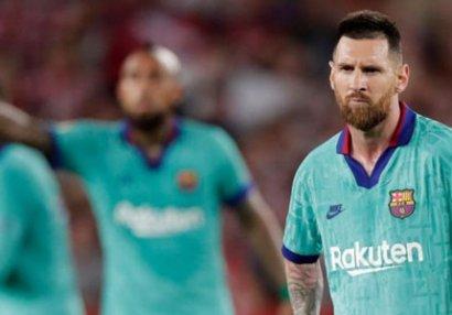 Messi komanda yoldaşlarını danladı