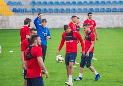 Nikola Yurçeviç toplanışa 8 futbolçu ilə başlayacaq