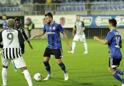 Azərbaycan Premyer Liqası: İlk yarıda neçə futbolçu oynayıb?