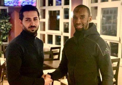 Futbolda şok hadisə: Bir futbolçu iki klubla müqavilə imzaladı