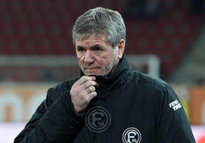 Bundesliqa klubu baş məşqçisini istefaya göndərdi