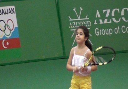 Bakı Tennis Akademiyasında bazar: 9 yaşlı idmançımız ölkəni tərk etdi (VİDEO)