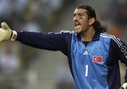 Экс-вратарь сборной Турции госпитализирован с коронавирусом