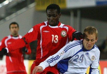 Nigeriyalı futbolçu pasportunu yeniləmək üçün Azərbaycana gəlir