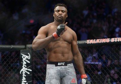 UFC çempionu həbsdə keçirdiyi günlərdi xatırladı: