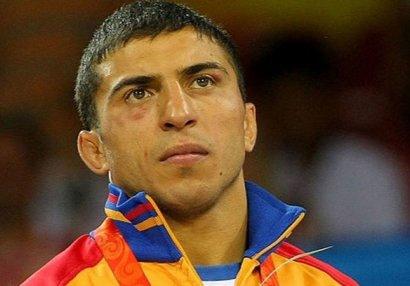 Tanınmış erməni idmançı mitinqdə saxlanıldı