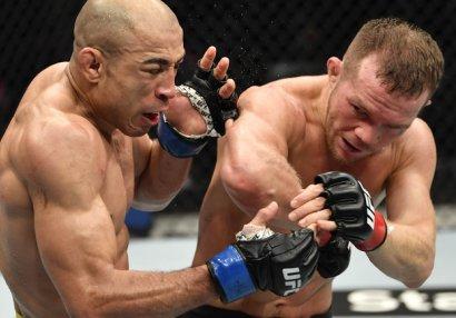 Pyotr Yan UFC çempionluğunu belə qazandı - VİDEO