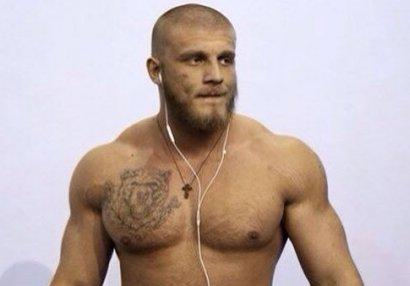 Neo-nasist döymələrinə görə UFC-dən uzaqlaşdırıldı