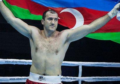 Azərbaycanlı idmançı dünya boksunun əfsanəsini döyüşə çağırır - MÜSAHİBƏ