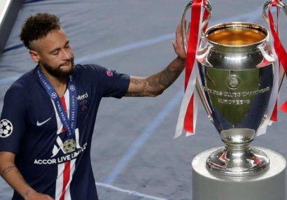 Неймар заплакал после поражения в финале Лиги чемпионов (ФОТО/ВИДЕО)