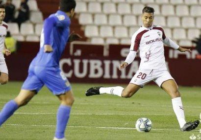 Millimizin futbolçusu Barselonada uduzdu, sarı vərəqə aldı