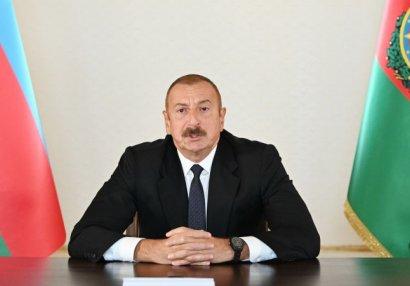 Prezident Milli Qəhrəman Şükür Həmidovun atası ilə danışıb