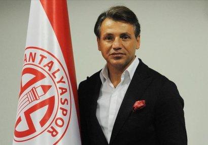 Türkiyə klubu baş məşqçisini yola saldı