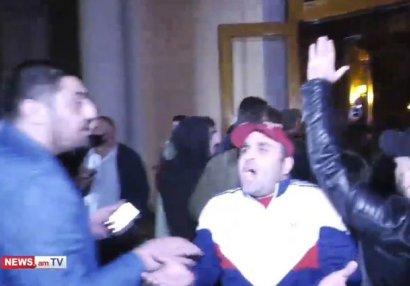 Yerevanda Paşinyana qarşı etiraz aksiyası başlayıb - VİDEO