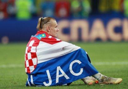 Milli futbolçu koronavirusa yoluxduğunu matçın fasiləsində öyrəndi