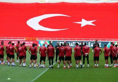 Türkiyə millisi karantinə alındı