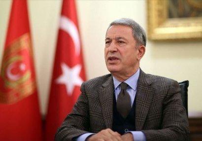 """Hulusi Akar: """"Türkiyənin yeri həm döyüş meydanında, həm də danışıqlar masasındadır"""""""