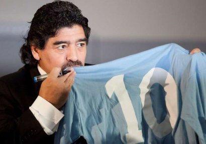 Dieqo Maradona dünyasını dəyişdi