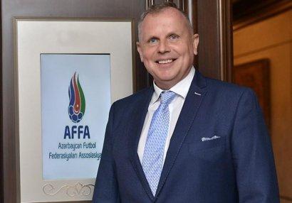 UEFA-dan Frits Ştuxlikə yeni təyinat