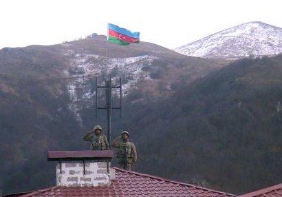 Kəlbəcər şəhərində Azərbaycan bayrağı qaldırılıb - VİDEO