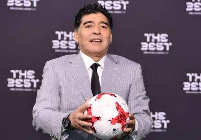 Maradona pulun üzərində...