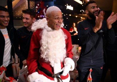 Mbappe Santa Klaus oldu