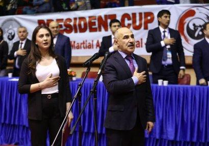 Döyüş Federasiyalarının Prezidenti od püskürdü: Operativ Qərargah adını doğrultmur