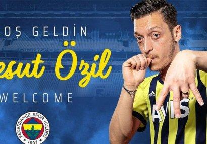 Mesut Özil rəsmən