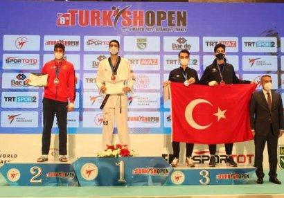 Azərbaycan taekvondoçusu Türkiyədə qızıl medal qazanıb