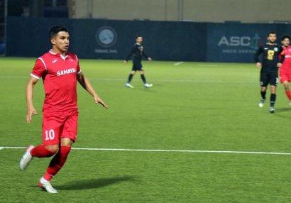 Daha bir futbolçu Premyer Liqada 100-cü oyununa çıxdı